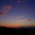 冷え込んだ空の朝日