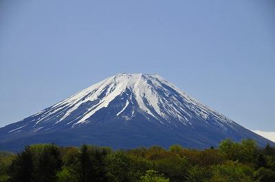 残雪の富士