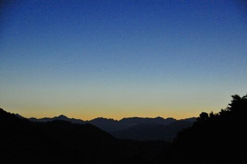 夕暮れの北アルプス